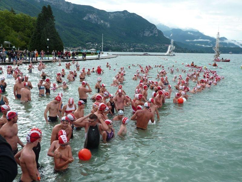Traverséé du lac d'Annecy à la nage